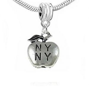 NY Big Apple Charm